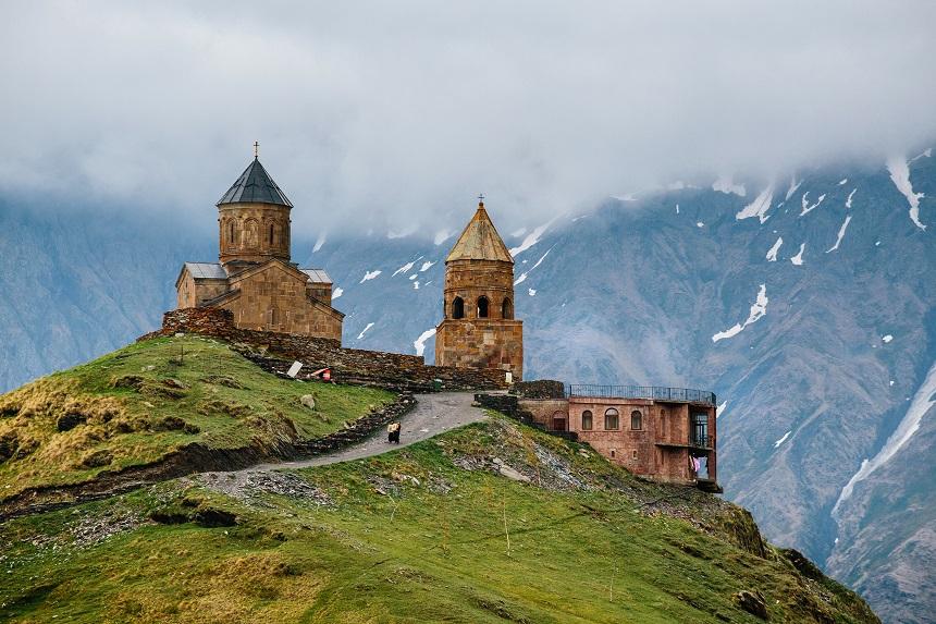 Day 7: Gudauri – Stepantsimnda – Gergeti Trinity Church – Ananuri – Tbilisi (190 km.)