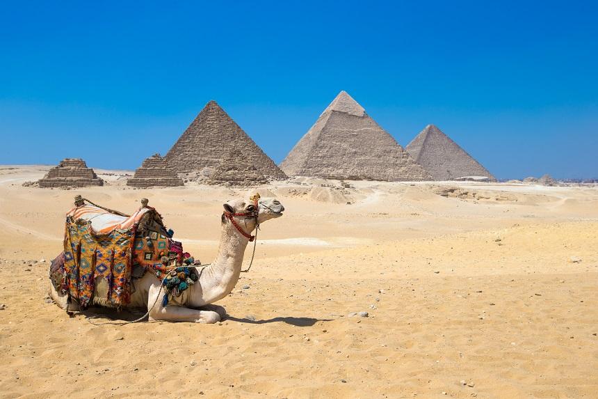 Day 2: Full Day Giza Visit: Pyramids of Giza / Sphinx